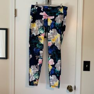 Old Navy Active go-dry floral leggings